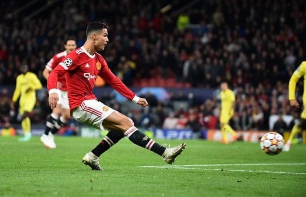 Ronaldo ghi ban phut bu gio, Man United loi nguoc dong Villarreal-Hinh-11