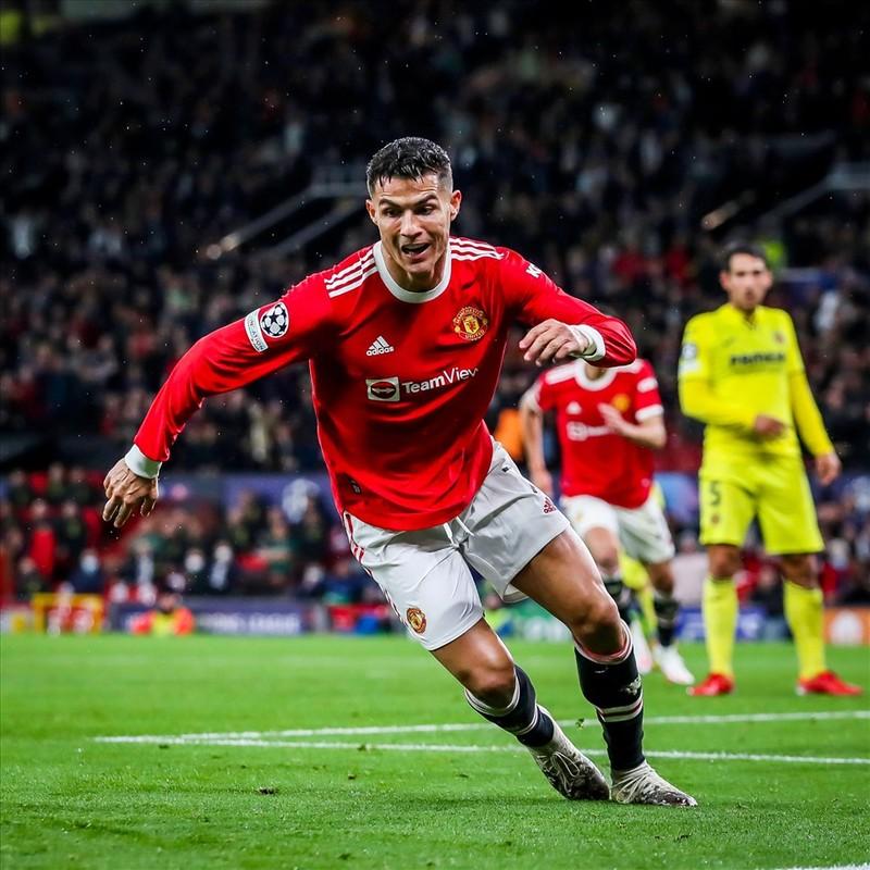 Ronaldo ghi ban phut bu gio, Man United loi nguoc dong Villarreal-Hinh-12