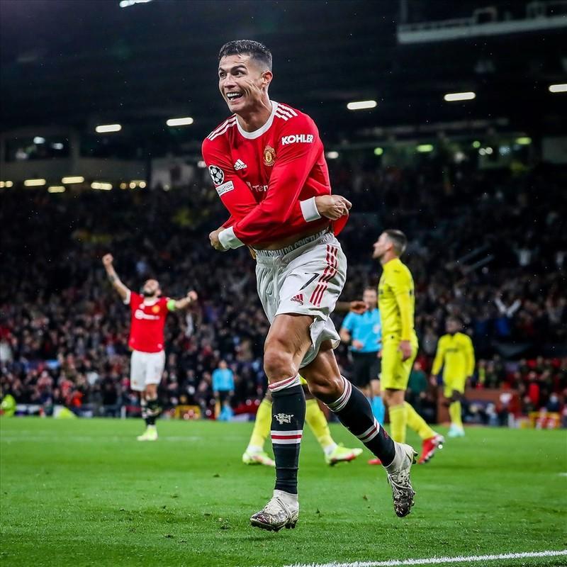 Ronaldo ghi ban phut bu gio, Man United loi nguoc dong Villarreal-Hinh-13