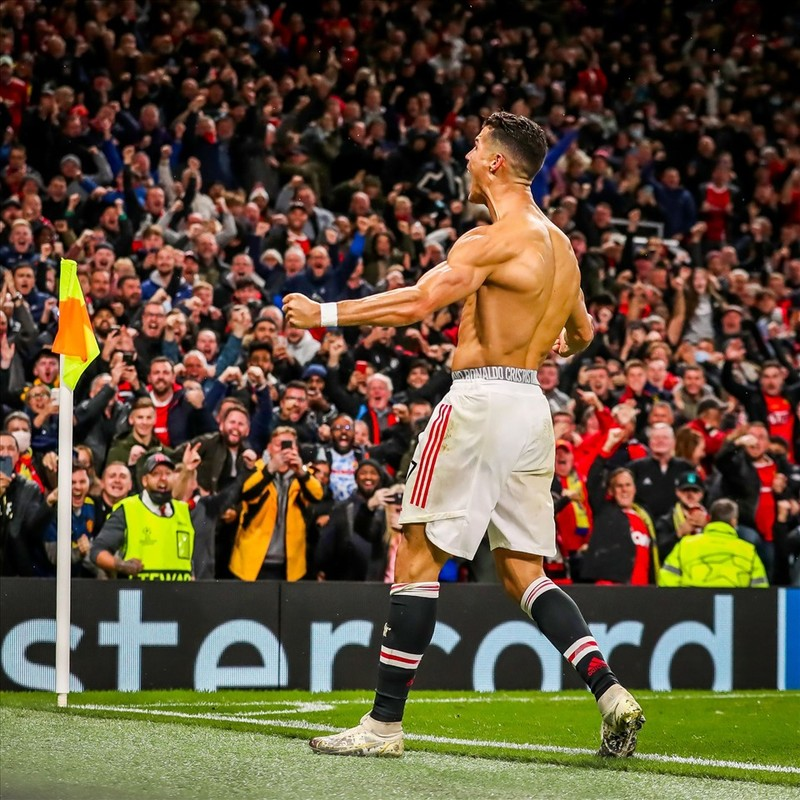 Ronaldo ghi ban phut bu gio, Man United loi nguoc dong Villarreal-Hinh-14