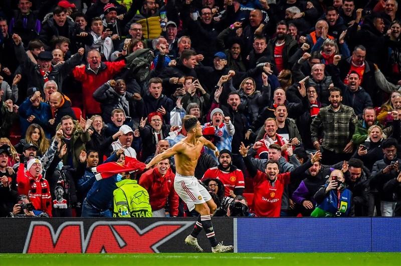 Ronaldo ghi ban phut bu gio, Man United loi nguoc dong Villarreal-Hinh-15