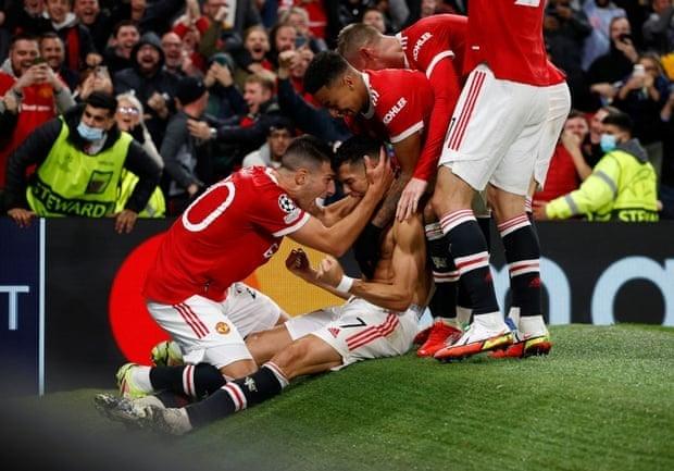 Ronaldo ghi ban phut bu gio, Man United loi nguoc dong Villarreal-Hinh-16
