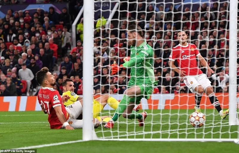 Ronaldo ghi ban phut bu gio, Man United loi nguoc dong Villarreal-Hinh-4