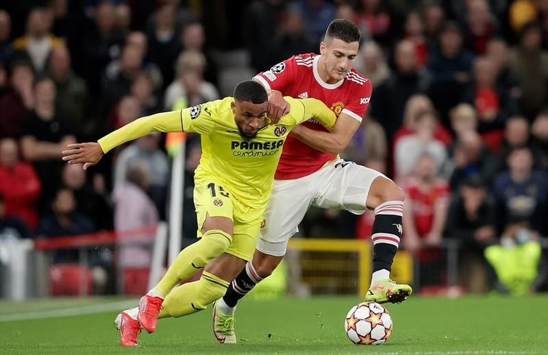Ronaldo ghi ban phut bu gio, Man United loi nguoc dong Villarreal-Hinh-6
