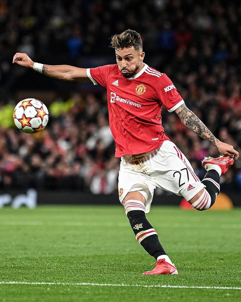 Ronaldo ghi ban phut bu gio, Man United loi nguoc dong Villarreal-Hinh-7