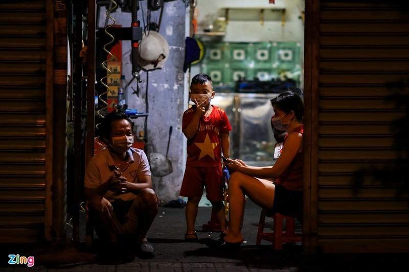 Chinh sach moi thang 10: Them phuong tien duoc mien phi duong bo-Hinh-3