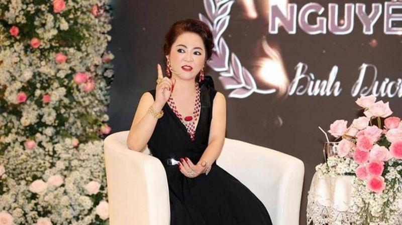 Bà Phương Hằng xin 10 triệu USD tỷ phú Hoàng Kiều phản ứng lạ