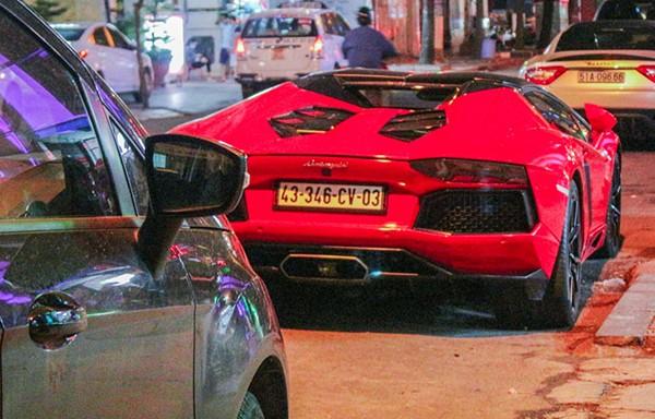 Sieu xe Lamborghini Aventador 25 ty