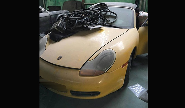 """Sieu xe Porsche Boxster 986 tien ty """"bo xo"""" o Sai Gon-Hinh-2"""