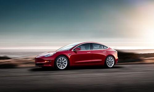 Tesla khoe xe dien Model 3 bao ve nguoi dung tot nhat