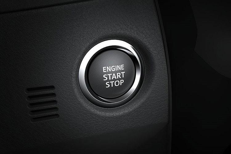 Toyota Corolla Altis moi gia 678 trieu tai Viet Nam co gi?-Hinh-4