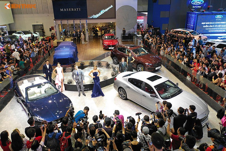 Gan 900 xe oto ban ra tai trien lam VMS 2018-Hinh-2