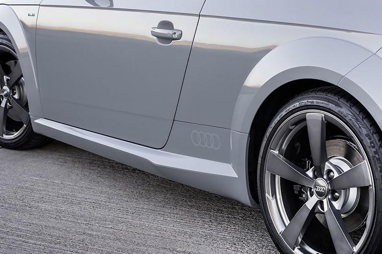 Chi tiet xe Audi TT ky niem 20 nam gia 1,22 ty dong-Hinh-3