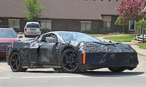 Chevrolet Corvette 2020 so huu den hau hinh mui ten doc dao-Hinh-2