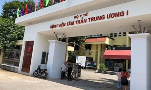 "Lat tay ""manh khoe"" lam gia benh an tam than cua ong Pho truong khoa"