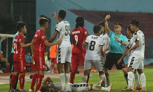 Tu cu dam cua dan em Quang Hai den van nan bao luc V-League