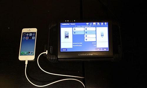 Cong cu be khoa iPhone, iPad ban tren eBay chi 100 USD