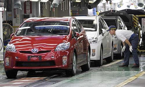 Trieu hoi hang loat xe Toyota Corolla, Prius va C-HR dinh loi