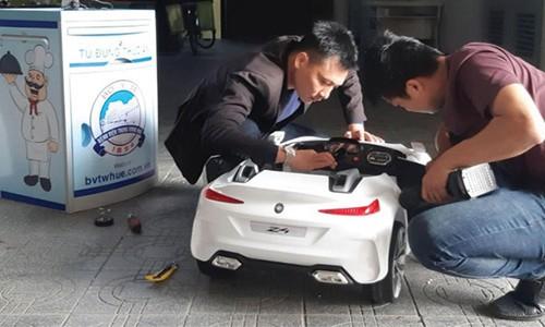 BMW Z4 do choi hoa xe tiep te cho benh nhan Hue mua Covid-19