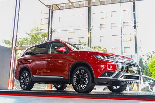 Mitsubishi Outlander tai Viet Nam bat ngo giam toi 180 trieu