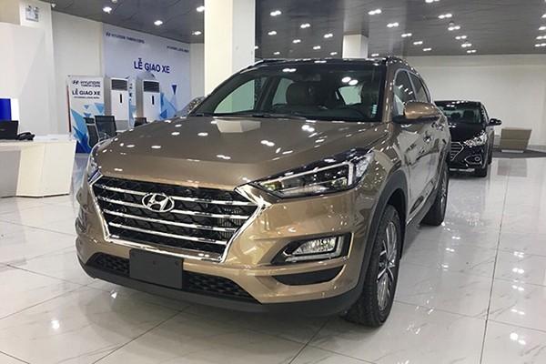 Hyundai Tucson bat ngo