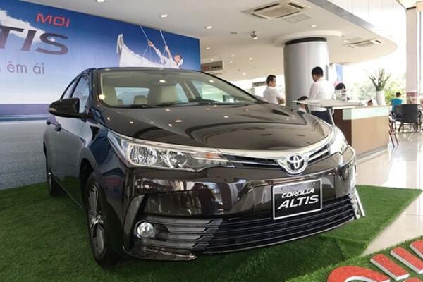 Toyota Corolla Altis giam toi hon 230 trieu tai Viet Nam