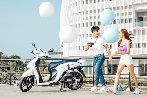 Xe ga Yamaha tiet kiem xang dong hanh cung sinh vien Viet