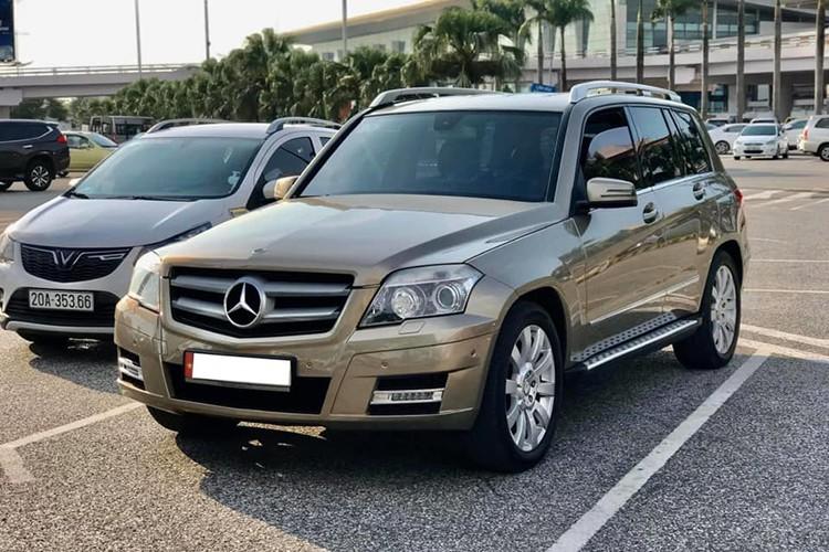 Can canh Mercedes-Benz GLK300 chi 500 trieu dong o Ha Noi