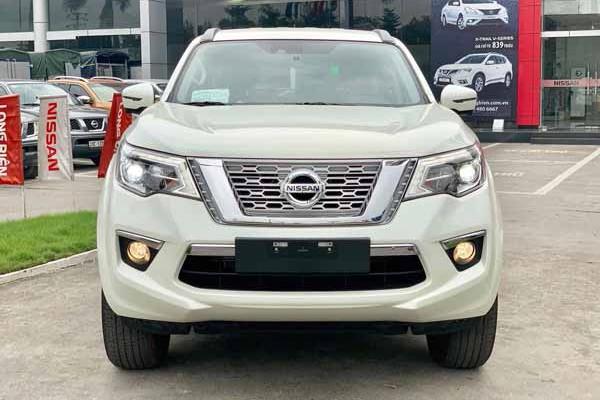 Nissan Terra tai Viet Nam giam manh, chi tu 795 trieu dong-Hinh-2