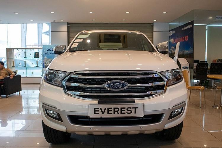 Ford Everest bat ngo giam toi 200 trieu dong tai Viet Nam-Hinh-3
