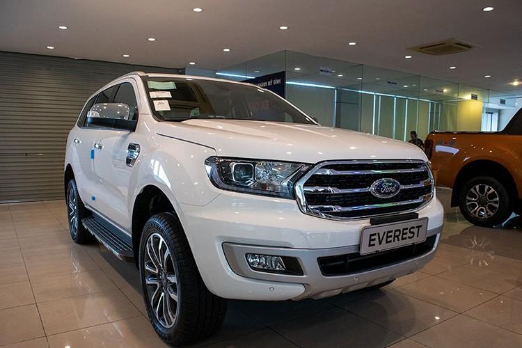 Ford Everest bat ngo giam toi 200 trieu dong tai Viet Nam
