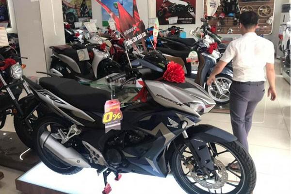 Honda Winner X tai Viet Nam bat ngo quay dau giam gia-Hinh-2