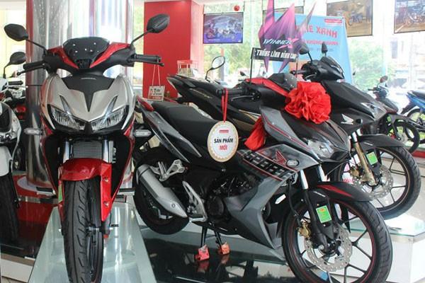 Doanh so xe may Honda nam 2020 sut giam, Yamaha tru vung-Hinh-3