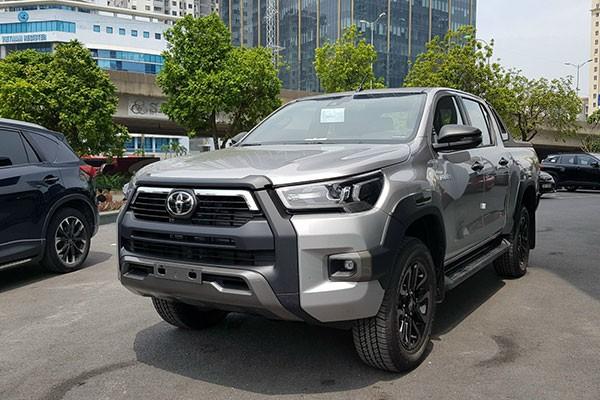 Gan 2.000 chiec Toyota Hilux trieu hoi tai Viet Nam do phanh