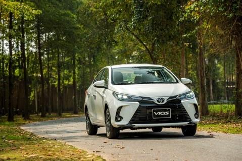 Toyota Vios 2021 thay doi de tiep tuc thong tri ngoi vuong-Hinh-2