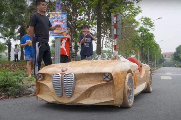 Ong bo tre Bac Ninh tiep tuc che tao oto BMW bang go tang con-Hinh-3