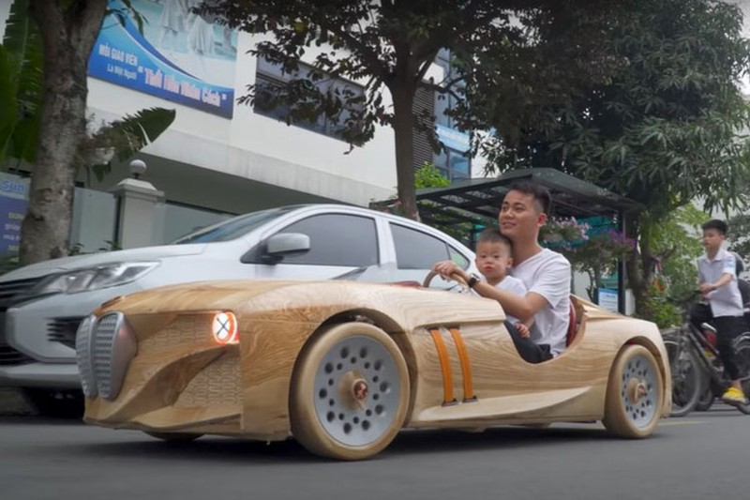 Ong bo tre Bac Ninh tiep tuc che tao oto BMW bang go tang con
