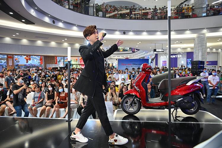 "Chi Dan va K-ICM se gop mat tai ""Da tiec Yamaha Grande"" Da Nang-Hinh-2"
