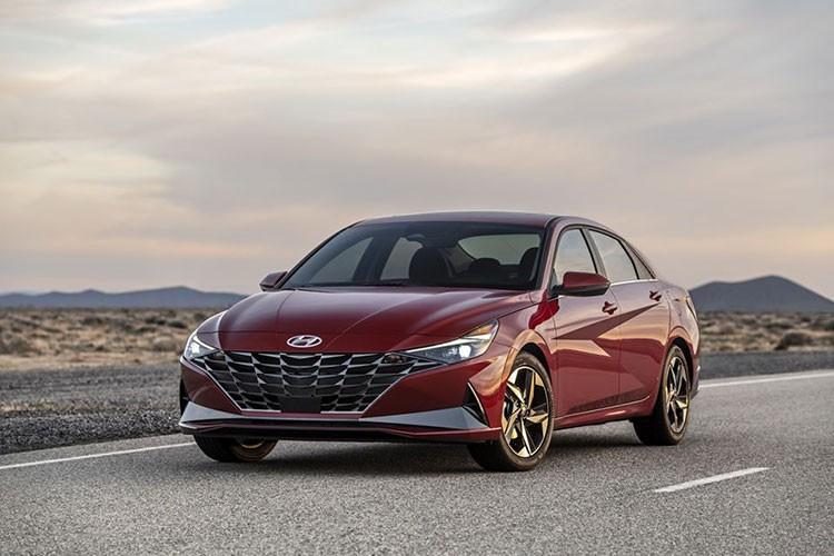 Hyundai SantaFe 2021 va Elantra 2021 mat diem an toan tu IIHS