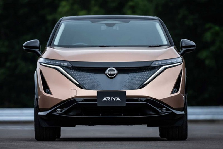 Nissan thu ve 1,2 ty do sau khi ban co phan cho Daimler-Hinh-2