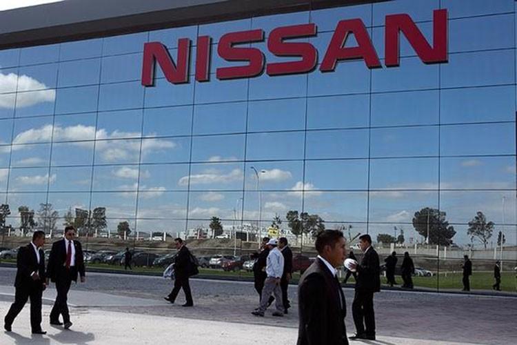 Nissan thu ve 1,2 ty do sau khi ban co phan cho Daimler