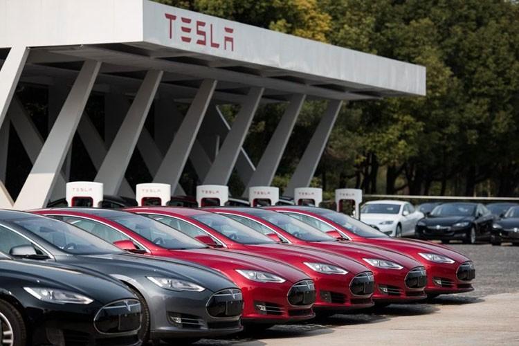 Xe oto dien Tesla dang bi nguoi Trung Quoc quay lung, ky thi-Hinh-5