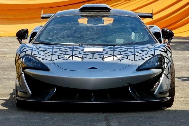 Sieu xe McLaren 620R nhap lau nhan