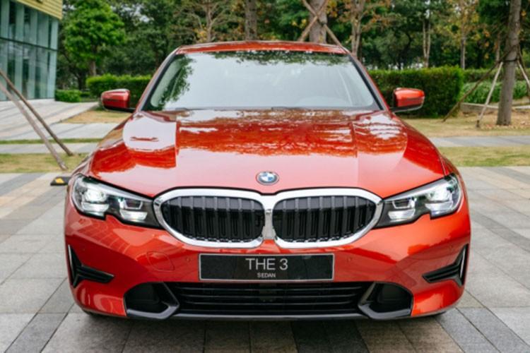 BMW 3-Series dang giam toi 130 trieu dong tai Viet Nam-Hinh-3