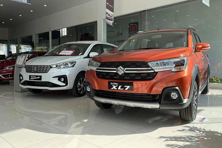 Suzuki XL7 tai Viet Nam giam gia kich san, khong he khan hang