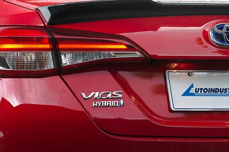 Toyota Vios the he moi sap trinh lang, co them ban hybrid