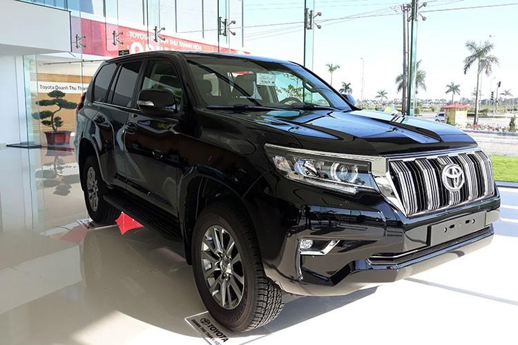 Toyota Land Cruiser Prado tai Viet Nam giam gia 100 trieu dong