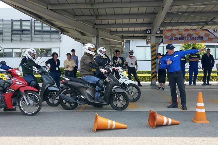 Khoi dong Quy nghien cuu ATGT xe may tai Viet Nam