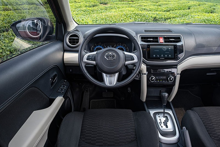 Toyota Rush - SUV do thi 7 cho nhieu gia dinh tre me tit-Hinh-3