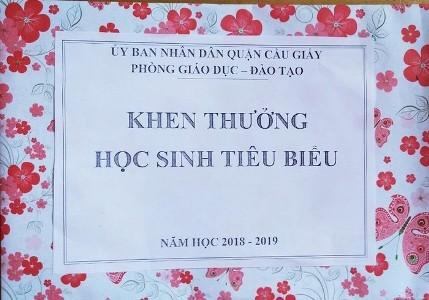 Vu trao phan thuong ben trong la giay: Chi la bien phap bao ve hoc sinh
